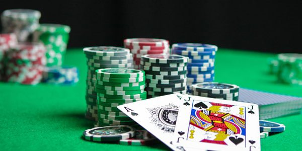 Common Mistakes to Avoid When Playing Poker Online