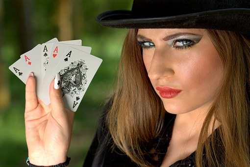 Advantages Of Online Casino