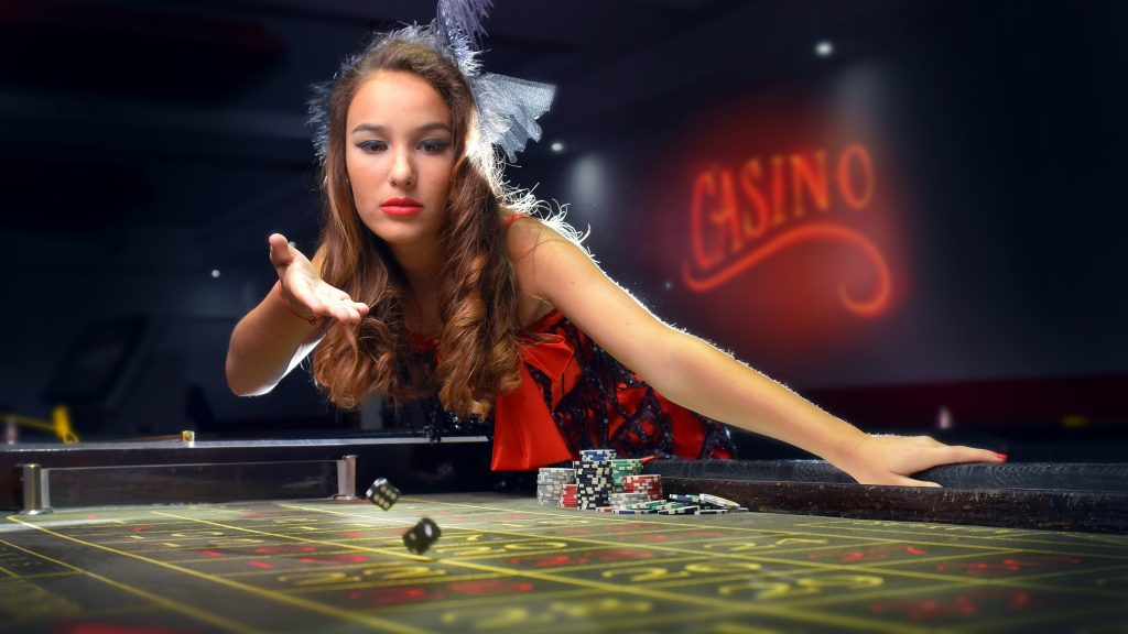 Playing Online Casino Slot Games